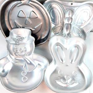 4 Wilton Cake Pans Pumpkin Easter Bunny Snowman +